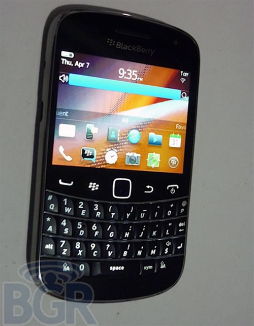 BlackBerry Bold Touch 9900 _1