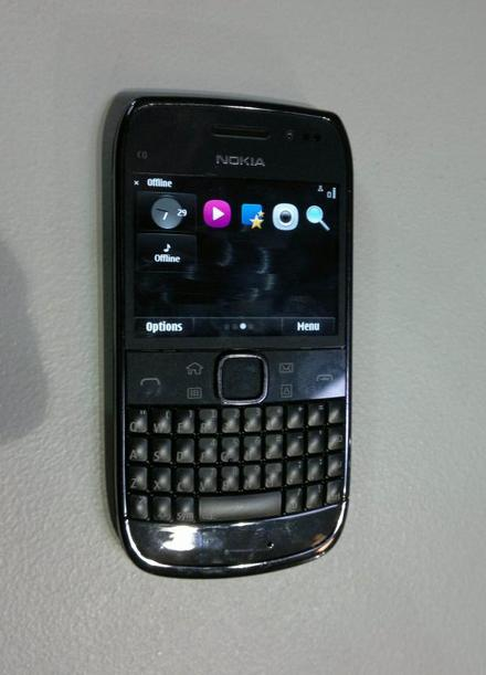 Nokia E6_4
